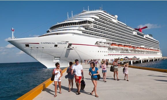 Mass tourism - Du lịch trên biển